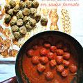 Boulettes cuites au four en sauce tomate