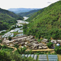 Ein Tal voller Gewächshäuser.