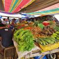 Auf dem kleinen Markt in Panglao City gibt es fast alles, auch Gemüse, das wir nicht kennen.