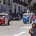 In Huamachuco wimmelt es von diesen kleinen, billigen Taxis.