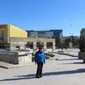 Grosszügig gestalteter Stadtplatz in Tulcea.