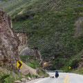 An vielen Stellen gefährdet Steinschlag den Strassenverkehr.