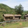 Viele Häuser sind klein und sehr einfach gebaut.