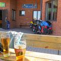 Mittagshalt in der Alibi-Bar.