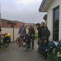 Tim beherbergt heute Velofahrer-Gäste aus vier Nationen. Immer spannend, Gleichgesinnte zu treffen.