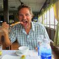 Meeresfrüchte gibt es zu günstigen Preisen fast überall. Pit liebt Tintenfisch vom Grill sehr.
