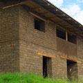 Fast alle Häuser sind aus Lehmziegeln gebaut.