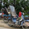 Die Vietnamesen sind sehr kreativ, wenn es um Transporte auf dem Töff oder dem Velo geht.
