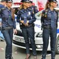 Polizistinnen in high heels - vielleicht nur am Independentday?