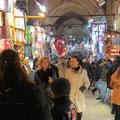 Im grossen Basar von Istanbul. 31`000 m² und rund 4000 Geschäfte.