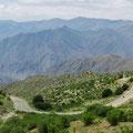 Hier Armenien, im Hintergrund Berge im Iran.