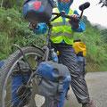 Nass und dreckig, so wie wir Tourenfahrer das Velofahren lieben.
