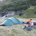 Campen vor dem Nordkapptunnel.