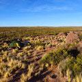 Zelten in der Pampa. Mit unserem grünen Zelt sind wir fast unsichtbar.