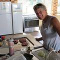Michelle aus den USA bereist Australien alleine. Ihre Hamburger sind einfach eine Wucht!