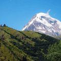 Der Kazbeg, 5047 m. Leider haben wir ihn nicht so schön gesehen.