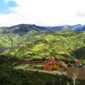 Im Vordergrund die Bergstation der Gondelbahn.