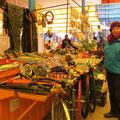 Der Händler für Sportfischereiartikel verkauft auch Velozubehör.