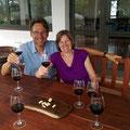 Der richtige Ort für uns! Wein degustieren in Cafayate.