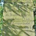 Geschichte auf Schritt und Tritt. Früher hiess der Ort Alexandersdorf.