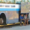 Unser Bus nach Baguio, noch in Reparatur.
