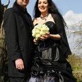 Gothic Brautmode farbiges Brautkleid