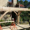 Une terrasse sur poteaux double la surface