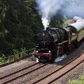 """BR52 auf der """"Schiefen Ebene"""" bei Neuenmarkt/Wirsberg (Foto: Uwe Kragl)"""