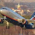 """Start"" Airbus A320-214 (Aeroflot) Flughafen Karlovy Vary (Foto: Uwe Kragl)"