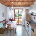 Ferienwohnungen Haus Spannbauer: Küche Fuchsenstein mit Balkon