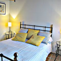 Iribarnia - Gite Atherpetxea - lit grande chambre côté ouest