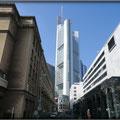 Frankfurt/M. - Innenstadt - Blick auf den Commerzbank Tower über die Bethmannstr.