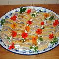 Lachsröllchen mit Wildkräuterfrischkäse