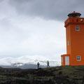Leuchtturm bei Öndverðarnes (Halbinsel Snæfellsnes) mit dem Snæfellsjökull im Hintergrund