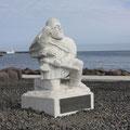 Flóki Vilgerðarson - ein Wikinger der im 9.Jhd. auf die noch unbesiedelte Insel kam, in den Westfjörden überwinterte, dort auf einen Berg stieg und Treibeis sah, das die ganze Insel umschlang - so gab er der Insel den Namen ÍSLAND