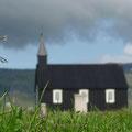 Kirche von Buðir - wunderschön gelegen am weißen Sandstrand auf Snæfellsnes