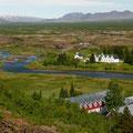 Þingvellir - alter Parlamentsplatz; bereits im Jahre 930 tagte hier jährlich das Parlament und 1944 wurde hier die Republik Island ausgerufen