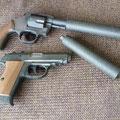 PPK・M36とサイレンサーは共通です