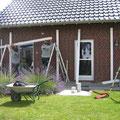 Aufbau einer nach Maß angefertigten Terrassenüberdachung