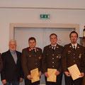 HFM Schandtl Alois wurde angelobt. Ebenfalls wurde BM Schmidt Michael, LM d.F. Lang Thomas, LM d.F. Lang Martin und LM Mönig Gerhard mit dem Verdienstkreuz und Habersack Helmut mit seinem 50 jährigen Dienstjubiläum