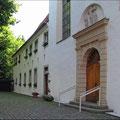 Das Kloster von vorne