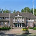 Bahnhof und Polizeigebäude