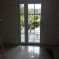 Sulp-Terrassentür der Fa. FeBa, in weiß, doppelverglast, mit Sprossen im Scheibenzwischenraum