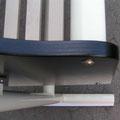 Kinderwiege aus lackiertem Stahl und dunkel gebeizter, lackierter Multiplex-Platte