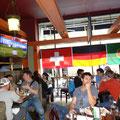Fussball-WM in Toronto: Pause im Pub.