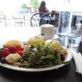 """Waffel-Frühstück im """"Starving Artist"""", dem Cafe meines Vertrauens ;-)"""