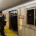 Torontos U-Bahn ist in der Rushhour immer eine Erfahrung.