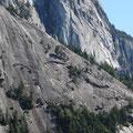 Rock Climbing in Kanada: Die Felswand des Chief in Squamish. Wie soll man denn da hochkommen?