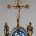 Triumphkreuz von Paul Nagel mit Begleitfiguren