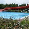 Modernes Freibad mit Rutsche in Wahlsdorf